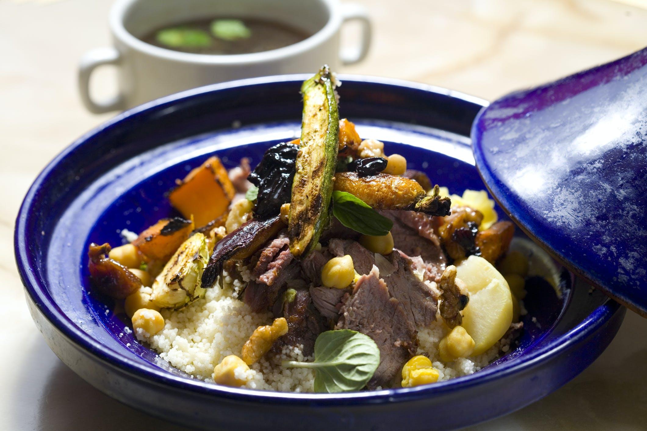 Lam, couscous en groenten - alles voor een heerlijke tajine
