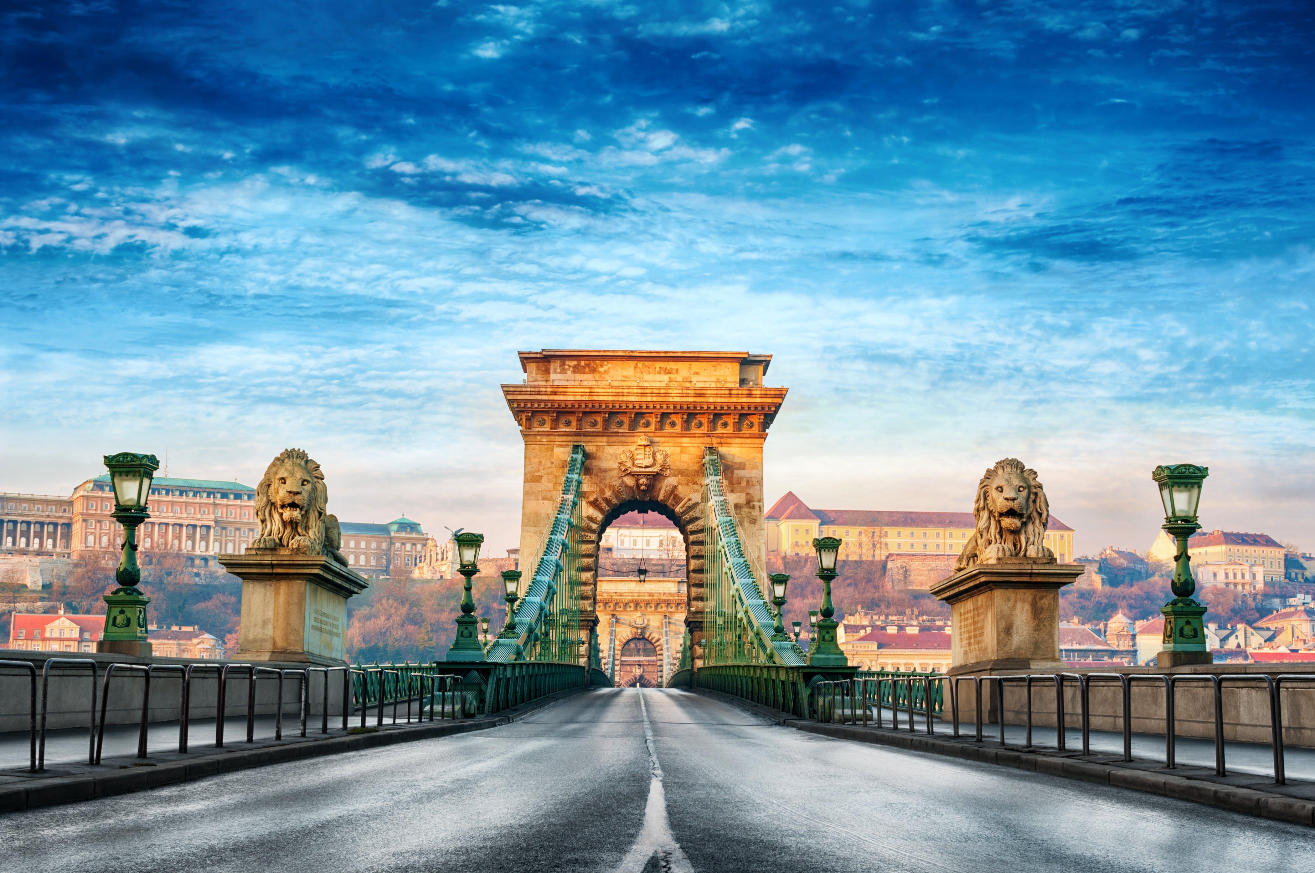 De kettingbrug is een van de opvallendste bouwwerken van Boedapest