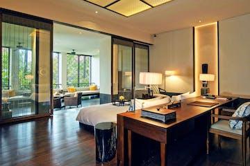 Bed - Deluxe suite