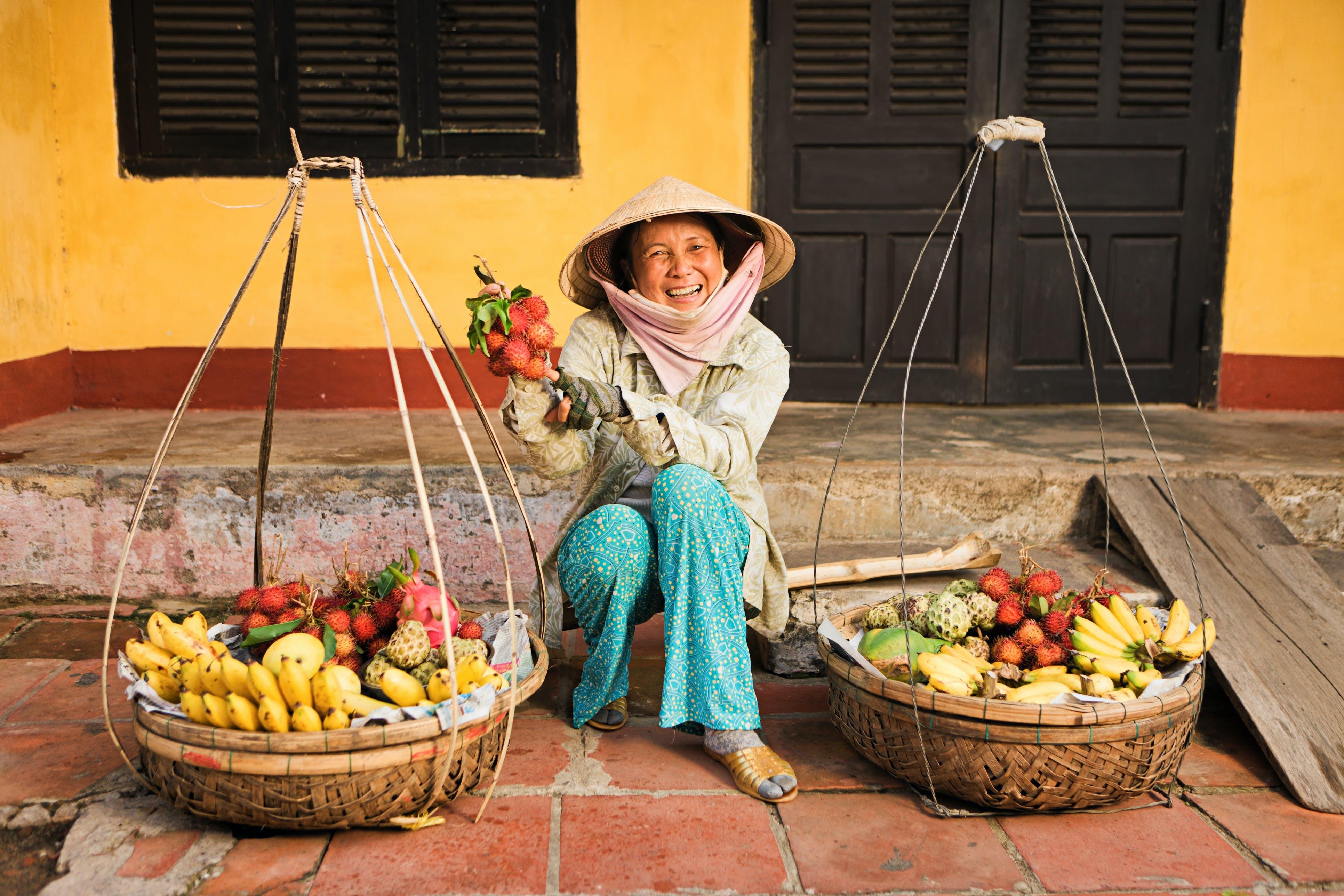 Koop een vieruurtje bij de lokale fruitverkopers