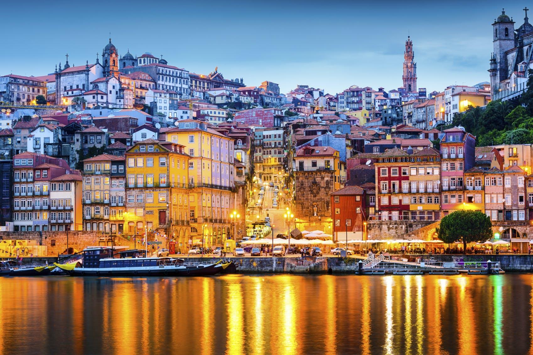 Het wondermooie Porto in de avond