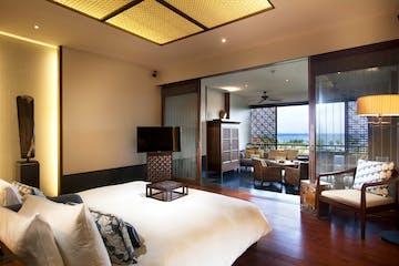 Bed - Fairmont suite